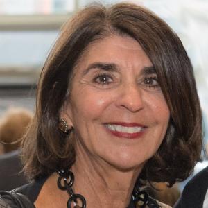 Headshot of Cynthia Mohr